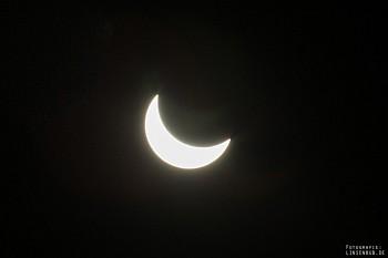 Sonnenfinsternis 2015 - Mond vor der Sonne